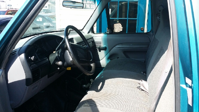 1996 Ford F-150 2dr Special 4WD Standard Cab LB - Peoria IL