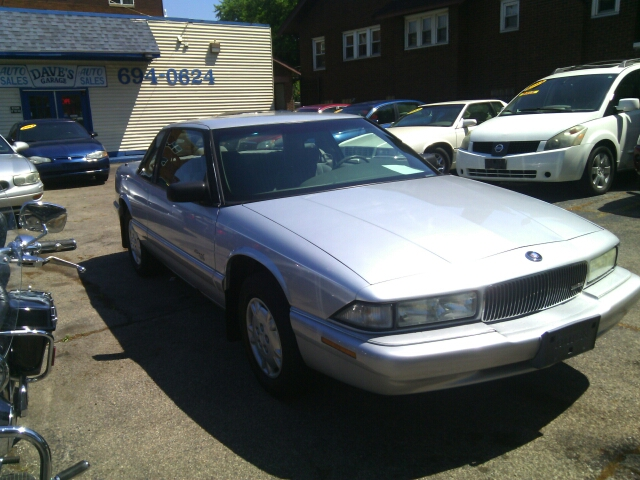 1995 Buick Regal for sale at Dave's Garage & Auto Sales in East Peoria IL