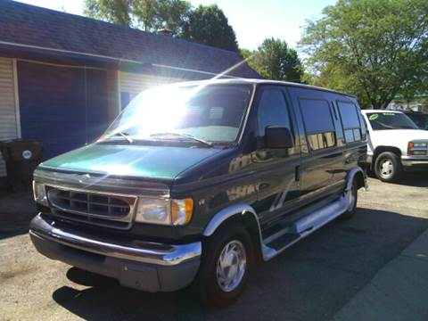 1999 Ford E-150 for sale at Dave's Garage & Auto Sales in East Peoria IL