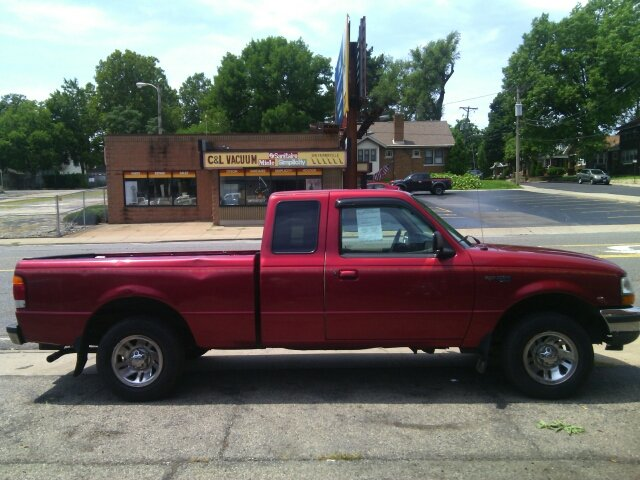 1998 Ford Ranger for sale at Dave's Garage & Auto Sales in East Peoria IL