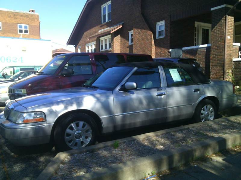 2003 Mercury Grand Marquis for sale at Dave's Garage & Auto Sales in East Peoria IL