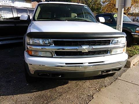 2004 Chevrolet Suburban for sale at Dave's Garage & Auto Sales in East Peoria IL