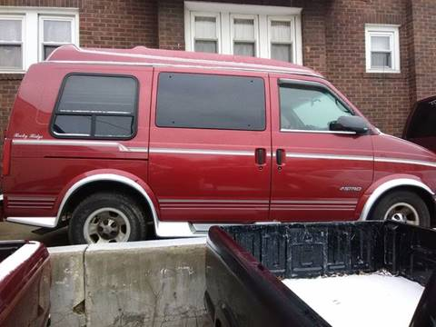 1999 Chevrolet Astro for sale at Dave's Garage & Auto Sales in East Peoria IL