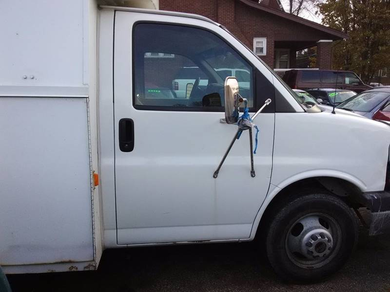 2003 GMC Savana Cargo for sale at Dave's Garage & Auto Sales in East Peoria IL