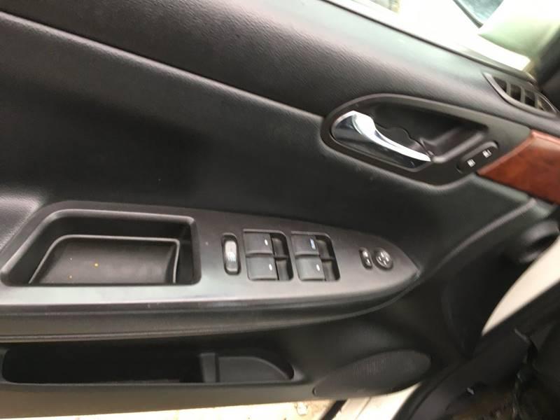 2008 Chevrolet Impala LS (image 5)