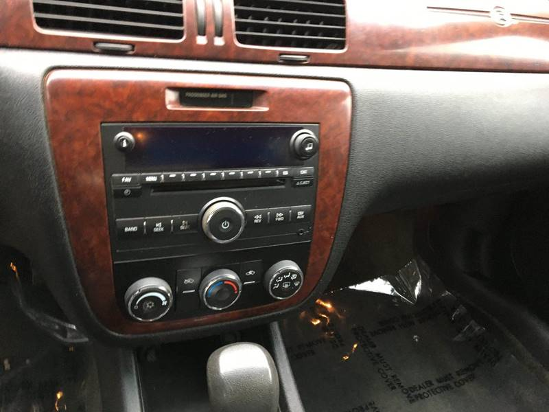 2008 Chevrolet Impala LS (image 8)