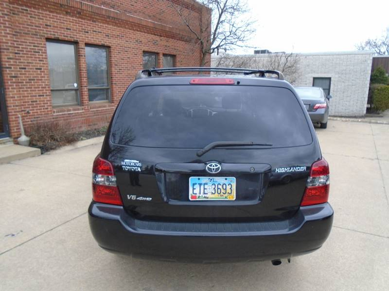 2005 Toyota Highlander AWD 4dr SUV V6 w/3rd Row - Warrensville Heights OH