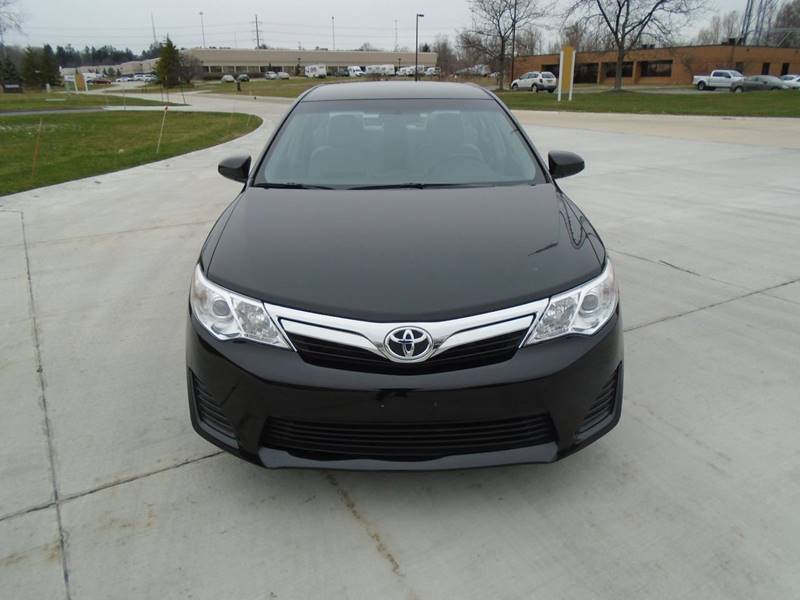 2014 Toyota Camry LE 4dr Sedan - Warrensville Heights OH