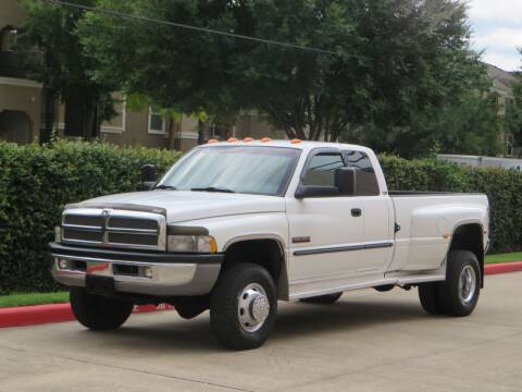 2001 Dodge Ram Pickup 3500 for sale at RBP Automotive Inc. in Houston TX
