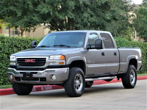 2006 GMC Sierra 2500HD for sale at RBP Automotive Inc. in Houston TX