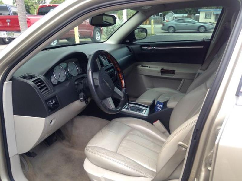 2006 Chrysler 300 C 4dr Sedan - North Fort Myers FL
