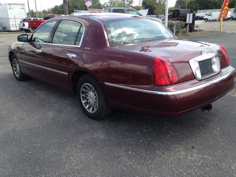 2001 Lincoln Town Car Signature 4dr Sedan - North Fort Myers FL