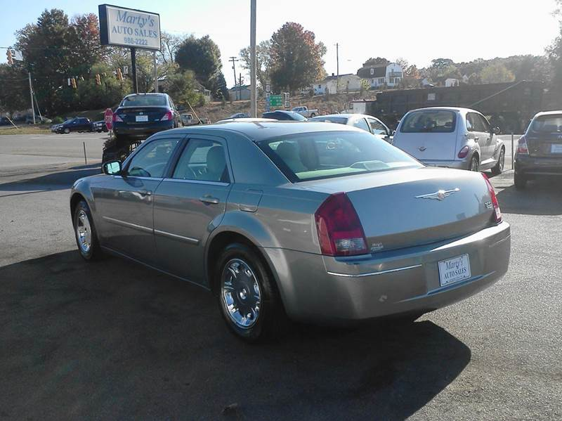 2006 Chrysler 300 Touring 4dr Sedan - Lenoir City TN