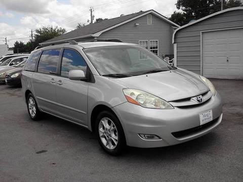 2006 Toyota Sienna for sale at Marty's Auto Sales in Lenoir City TN