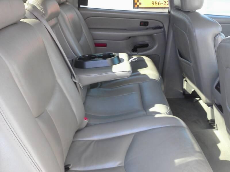 2005 Chevrolet Avalanche 4dr 1500 LT Crew Cab SB RWD - Lenoir City TN