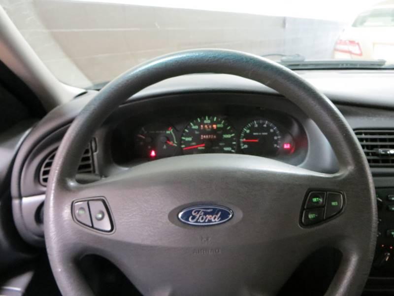 2003 Ford Taurus SE 4dr Sedan - Farmington Hills MI