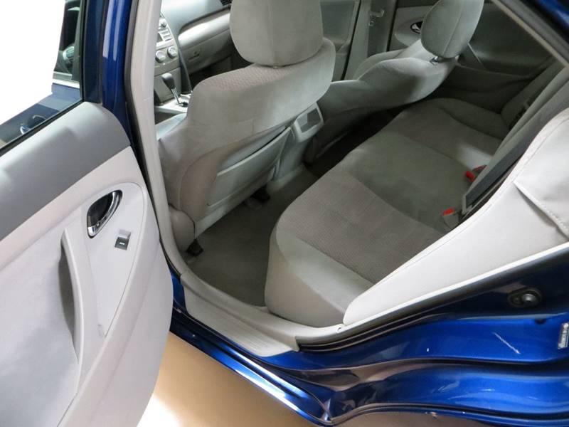2010 Toyota Camry LE 4dr Sedan 6A - Farmington Hills MI
