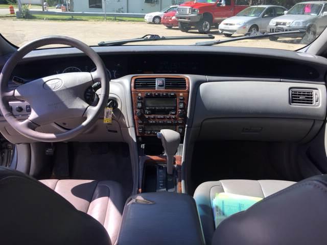 2000 Toyota Avalon XLS 4dr Sedan - Madison WI