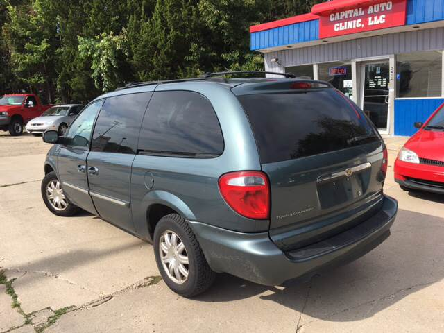 2005 Chrysler Town and Country Touring 4dr Extended Mini-Van - Madison WI