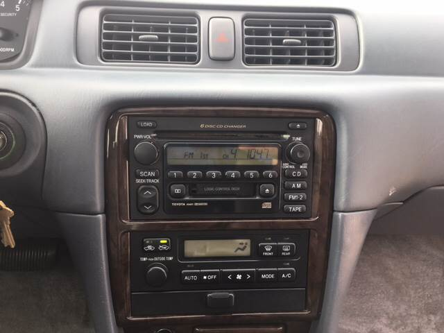 2000 Toyota Camry XLE V6 4dr Sedan - Madison WI