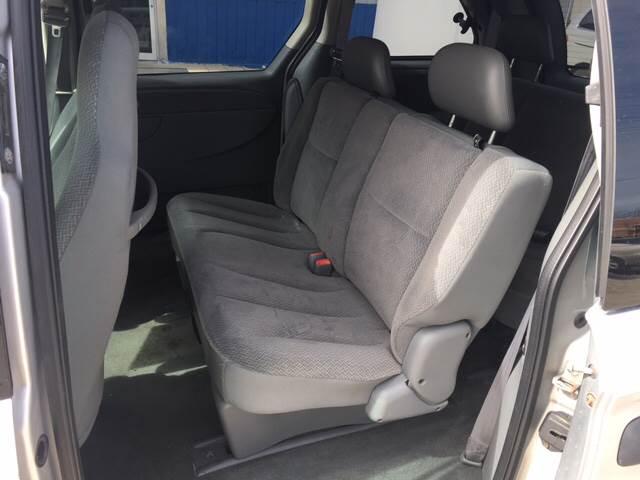 2005 Dodge Caravan SE 4dr Mini-Van - Madison WI