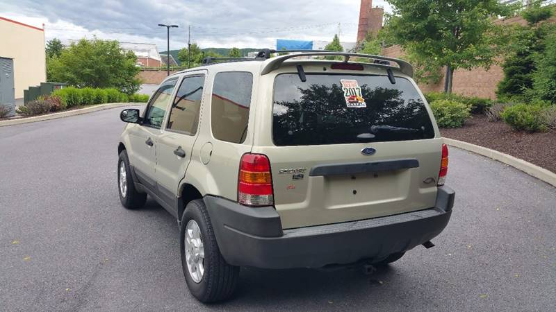 2004 Ford Escape for sale at Lehigh Valley Autoplex, Inc. in Bethlehem PA