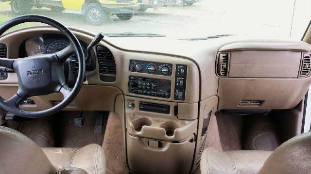 2001 GMC Safari SLT AWD 3dr Passenger Van Extended - Ankeny IA