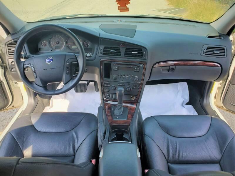 2007 Volvo V70 2.5T 4dr Wagon - Ankeny IA