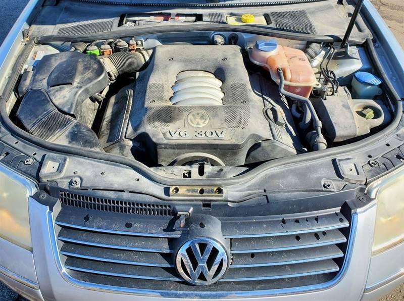 2004 Volkswagen Passat GLX (image 5)