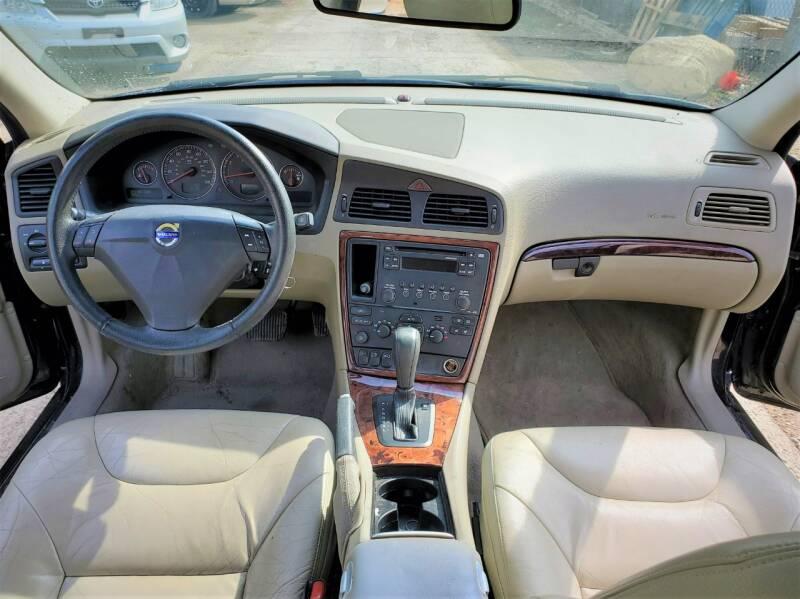 2005 Volvo S60 4dr 2.5T Turbo Sedan - Ankeny IA
