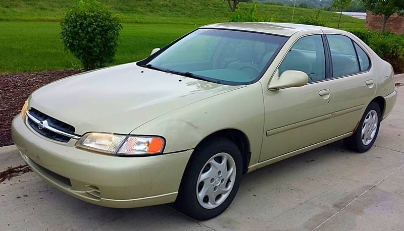 1998 Nissan Altima GXE 4dr Sedan   Ankeny IA