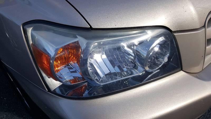 2004 Toyota Highlander AWD 4dr SUV V6 w/3rd Row - Wingdale NY
