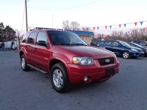 2007 Ford Escape for sale at Supermax Autos in Strasburg VA