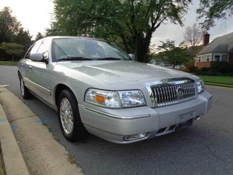 2006 Mercury Grand Marquis for sale at Supermax Autos in Strasburg VA