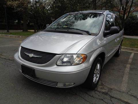 2002 Chrysler Town and Country for sale at Supermax Autos in Strasburg VA