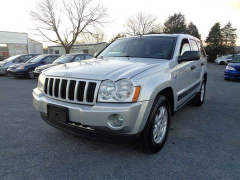 2005 Jeep Grand Cherokee for sale at Supermax Autos in Strasburg VA