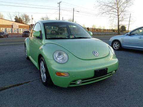 1999 Volkswagen New Beetle for sale at Supermax Autos in Strasburg VA