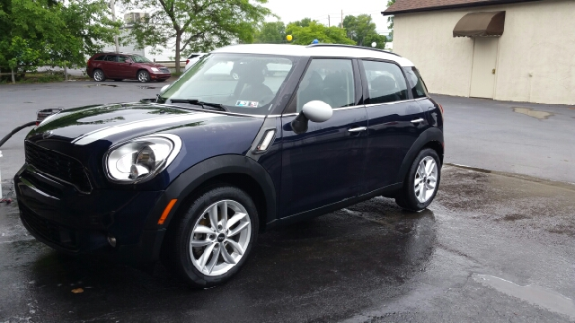 2014 MINI Countryman Cooper S 4dr Crossover - Plains PA