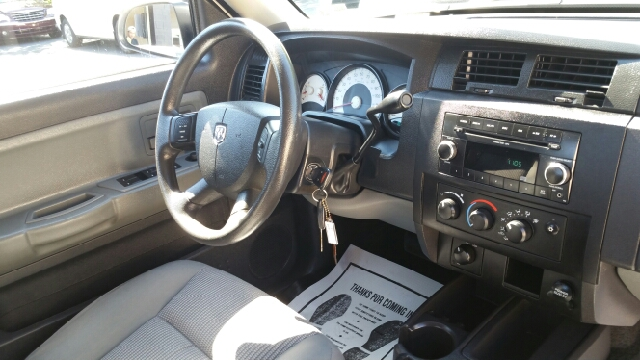 2011 RAM Dakota Big Horn 4x4 4dr Crew Cab - Plains PA