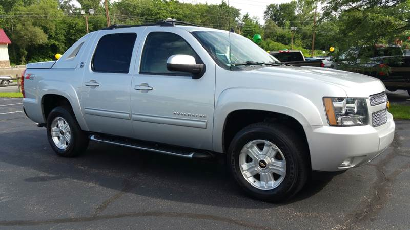 2013 Chevrolet Black Diamond Avalanche 4x4 LT 4dr Crew Cab Pickup - Plains PA
