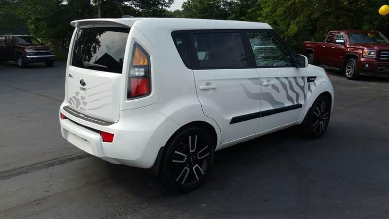 2011 Kia Soul White Tiger Special Edition 4dr Wagon - Plains PA