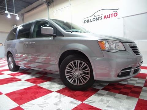 2016 Chrysler Town and Country for sale in Lincoln, NE