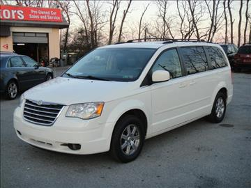 2008 Chrysler Town and Country for sale in New Castle, DE