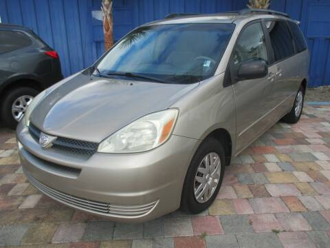 2004 Toyota Sienna for sale at Affordable Auto Motors in Jacksonville FL