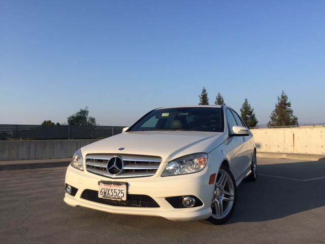 2010 MERCEDES-BENZ C-CLASS C 300 LUXURY 4DR SEDAN white the front windshield is in excellent cond
