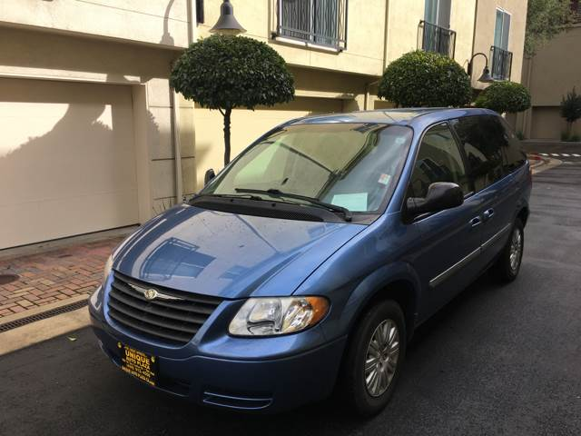 2007 CHRYSLER TOWN AND COUNTRY MINI VAN W SUPPLEMENTAL SIDE CU blue 200 kph speedometer 2-stage