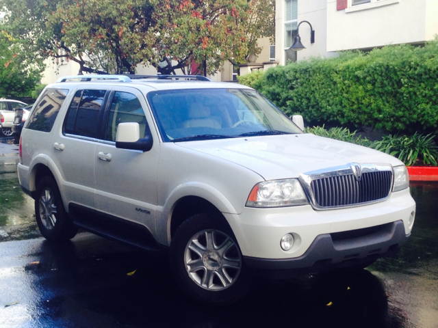 2003 LINCOLN AVIATOR LUXURY 4DR SUV white 17 inch wheels - chrome abs - 4-wheel adjustable peda
