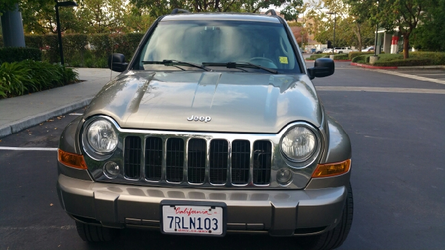 2007 JEEP LIBERTY LIMITED 4DR SUV gold 2-stage unlocking doors abs - 4-wheel airbag deactivatio