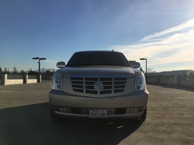 2010 CADILLAC ESCALADE LUXURY 4DR SUV gold running boards - step tow hooks - front trailer hitc