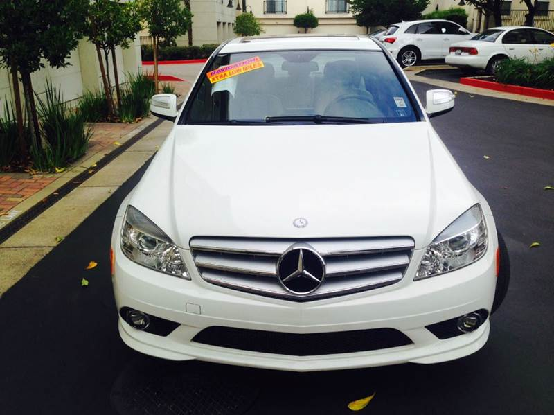 2009 MERCEDES-BENZ C-CLASS C300 LUXURY 4DR SEDAN white fully loadednavigation 85695 miles VIN